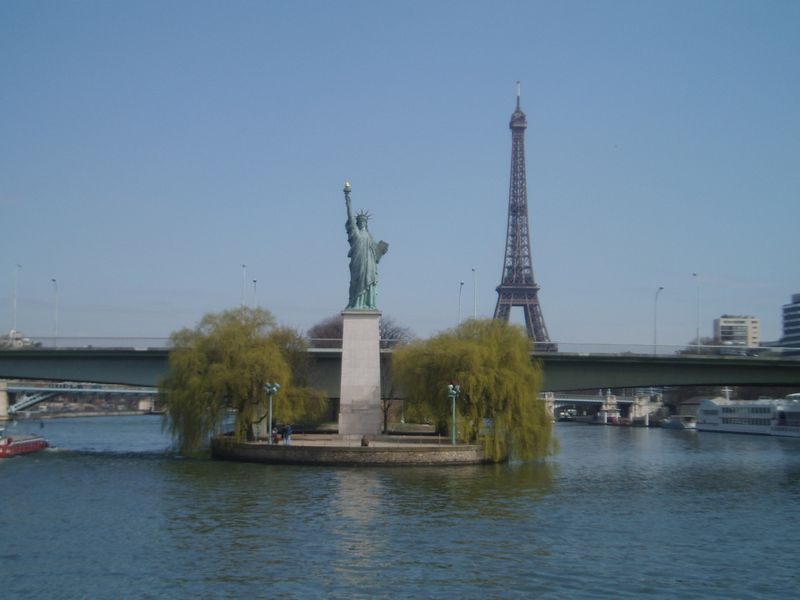 Paris-eiffel-liberty