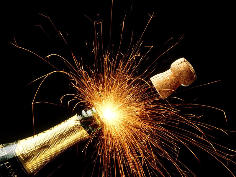 New-year-champagne-fireworks