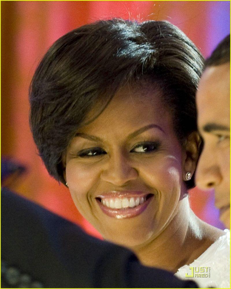 Michelle-obama-short-hair-02
