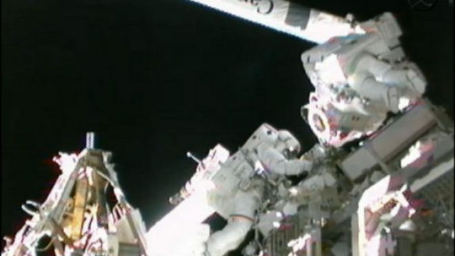Spacewalk-hoshide-robotic-arm