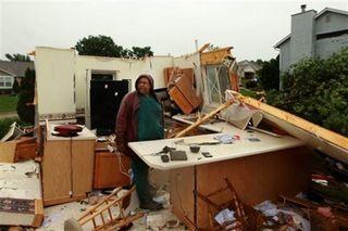 Missouri-tornado-debrisjpeg-87673b5e3cb7e717
