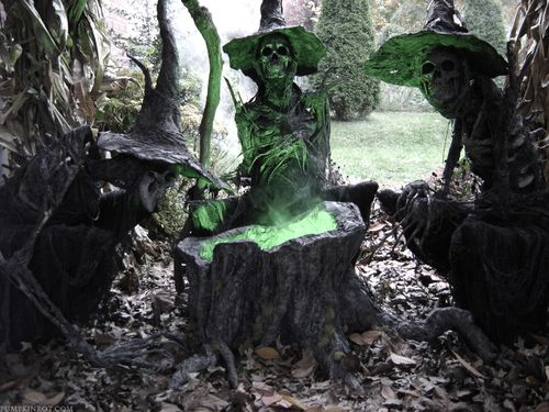 Yard Haunt Witches