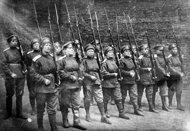 Women_soldiers1x