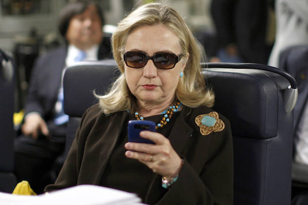Hillary-clinton-phone-620x412