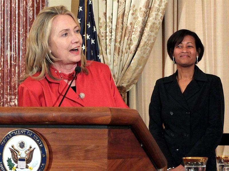 Hillary_Clinton_Cheryl_Mills_1