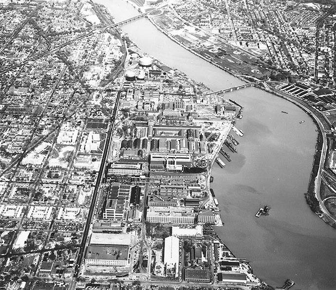 Washington_Navy_Yard_aerial_view_1960
