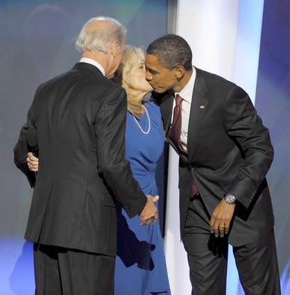 Obama-kiss-jill-biden-joe-vp-dnc-41911298